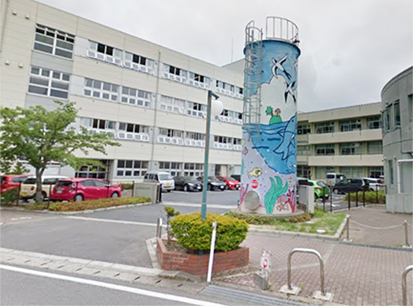 山田小学校 約50m(徒歩1分)