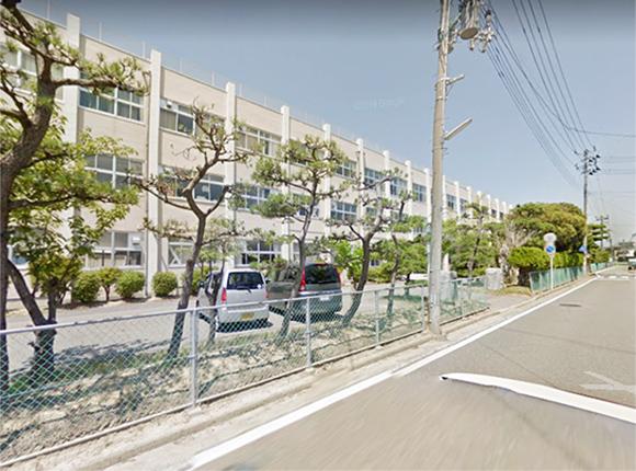 黒崎中学校 約2600m(徒歩33分)